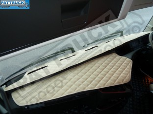 TRUCK ECO LEATHER DASH MAT-BEIGE , COMPATIBLE WITH VOLVO FH4 2013+