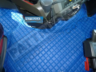 TRUCK ECO LEATHER FLOOR SET-BLUE, COMPATIBLE WITH VOLVO FH 2013+AUTOMATIC-FOLDING PASSENGER SEAT