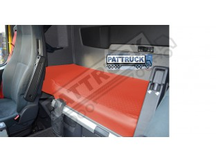 TRUCK ECO LEATHER BED COVER -RED COMPATIBLE WITH VOLVO FH3 2009-2013