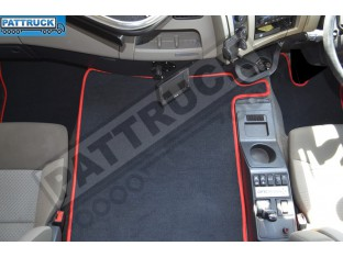 VELOUR FLOOR MATS SET-BLACK WITH RED TRIM FIT RENAULT PREMIUM