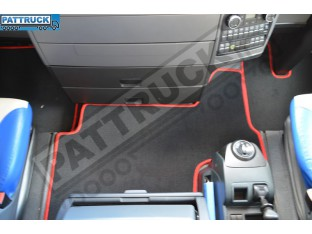 VELOUR FLOOR MATS SET-BLACK WITH RED TRIM FIT MAN TGX - TILL 67 PLATE