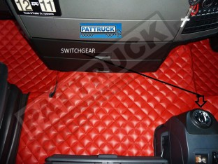 MAN TGX TRUCK ECO LEATHER FLOOR SET-RED -TILL 67 PLATE