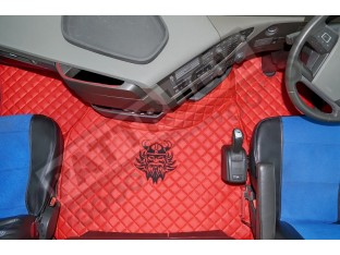 TRUCK ECO LEATHER FLOOR SET-BEIGE WITH BLACK VIKING LOGO FIT WITH VOLVO FH4 2013+ [ FOLDING PASSENGER SEAT]
